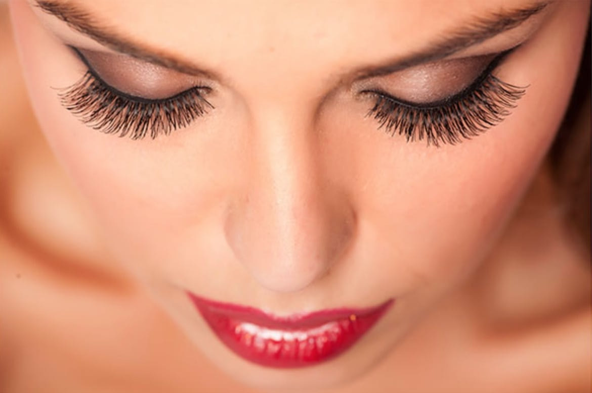 a picture of eyelash extensions portland